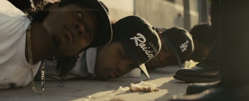 straightouttacompton_01